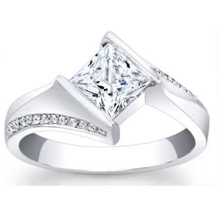 إختاري خاتم الخطوبة الذي يعجبك لتعرفي في أي عمر ستتزوجين!